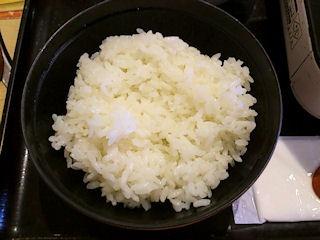 和食さと和風だしの鍋焼きラーメンのごはん