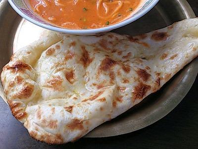 インド・ネパール料理パシュパティネパールカレーラーメンのナン