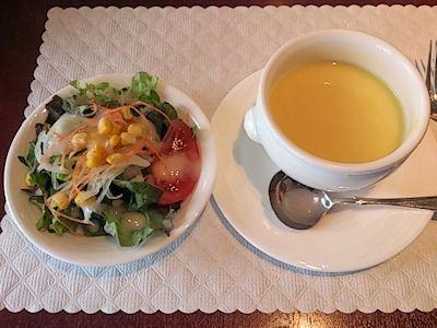 カジュアルダイニング・リヴィエール/日替りランチのスープとサラダ