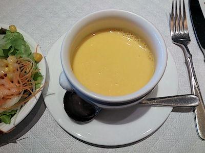 リヴィエール日替わりランチのパンプキンスープ