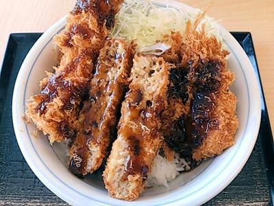 かつやの海老・ヒレ・メンチソースカツ丼
