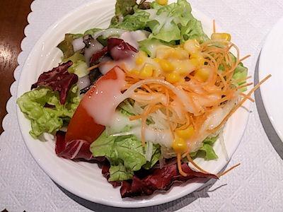 リヴィエール日替わりランチのサラダ