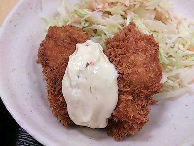 めしや宮本むなし鶏塩ちゃんこ鍋とカキフライの定食