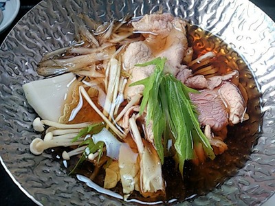 大黒天健康と美容の為の3月の昼会席牛ロースのすき鍋
