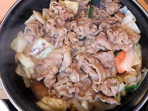 吉野家鍋焼き牛カルビ野菜定食