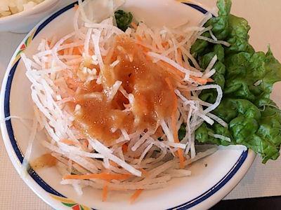 じゅうじゅうカルビヒレサイコロステーキランチのサラダ