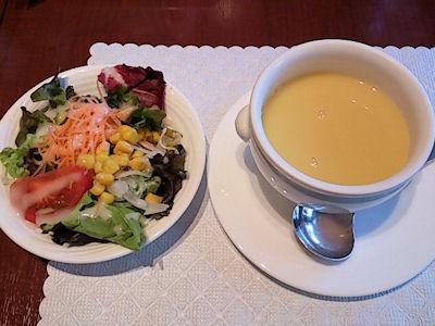 カジュアルダイニング『リヴィエール』のサラダとスープ