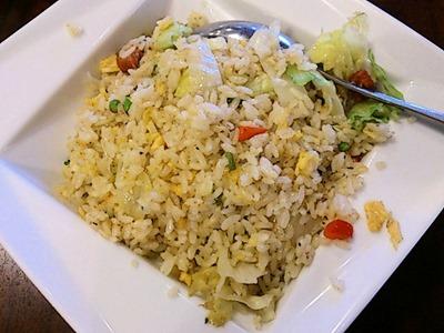 海鮮中華厨房張家牛肉とレタスのガーリック炒飯