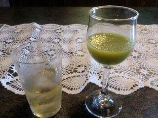 志方亭フルーツの野菜のジュース