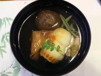 生州割烹輝髙水無月の煮物椀
