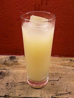 マドリードランチのグレープフルーツジュース