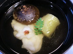 生州割烹輝髙葉月の煮物椀
