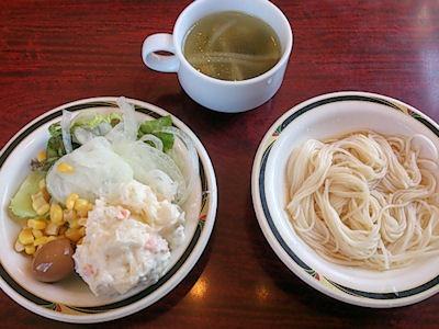 ステーキけんサラダとスープと素麺