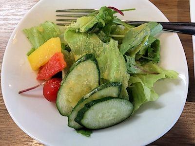 欧風カレー小夢(チャイム)野菜カレーのサラダ