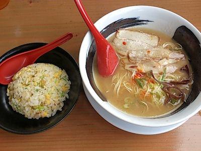 らーめん慶屋とんこつらー麺と炒飯小