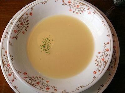 ステーキたじま家スペシャルランチのスープ