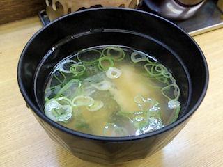城下町大衆カレー銀次無料サービスの味噌汁
