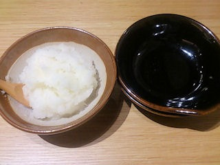 天ぷら海鮮五福鶏天定食の天つゆと大根おろし