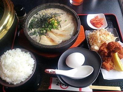 焼肉レストランよつば亭石焼ラーメンセット(醤油)