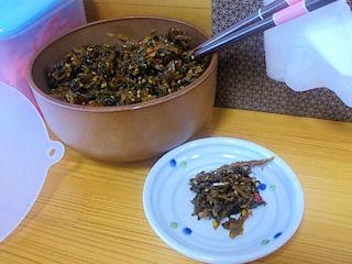 とんこつラーメン鷹多花無料食べ放題の高菜