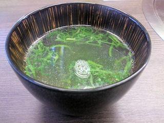 焼肉達摩飲み放題のスープ