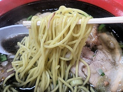函館麺厨房あじさい極拉麺(イカ墨)