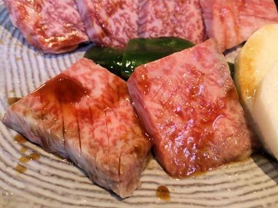 焼肉あづま苑特選スペシャル盛ペアセットの肉盛