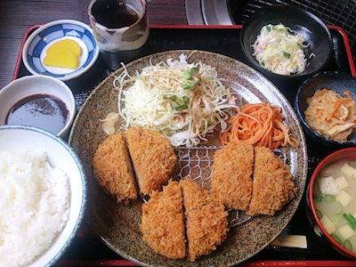 炭火焼肉みきや日替りサービス(コロッケ)定食