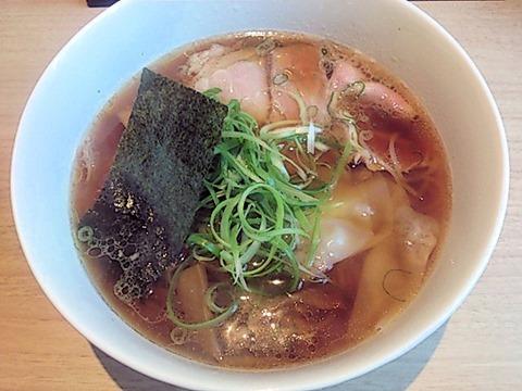 姫路麺哲醤油雲呑
