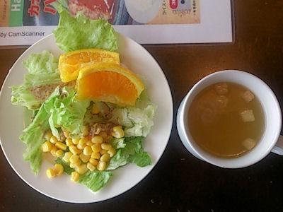カナディアンサラダバーのサラダとスープ