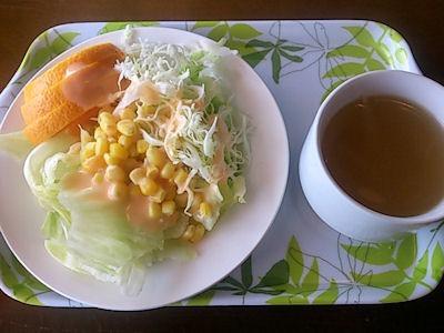カナディアン日替わりランチのサラダとスープ