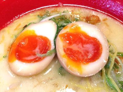鶏麺ぺこり味玉とろり