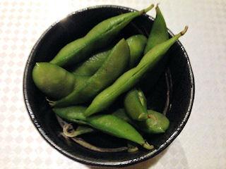 千美の春宴や ねごと付きだしの枝豆