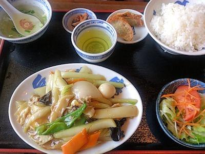 広東餃子房中華定食(八宝菜)