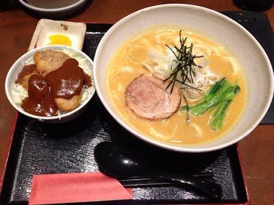 麺茶屋・玉家カレーうどんとかつめし丼のセット