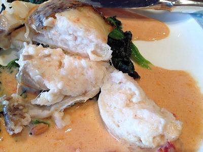 リヴィエール鯛の海老ムース包み焼き