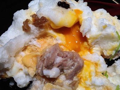 地鶏づくし吹上舎とろふわの親子丼雪の桜島