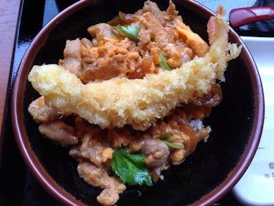 丸亀製麺親子丼海老の天ぷらのせ