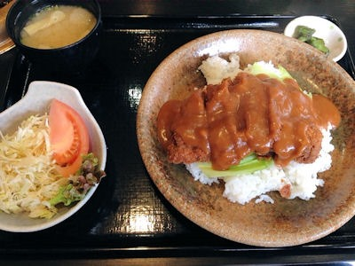 焼肉鈴特製ビーフカツメシ