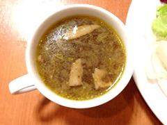 手ごねハンバーグと生パスタ「ダントツ屋」スープ