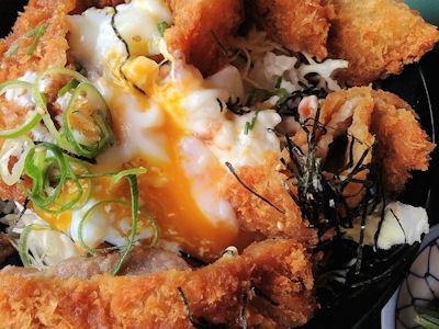 ながさわ沖縄ポーク肩ロース山盛りタレカツ丼