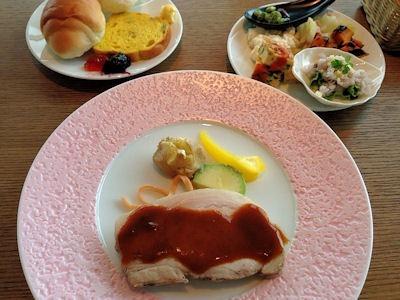 Comodo Cafe & Dining 四万十豚のロースト アップルソース