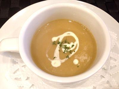 洋食グリル天平春キャベツのスープ