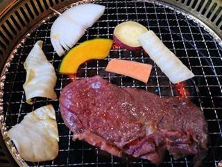 焼肉しちふくデカ肉盛ランチ