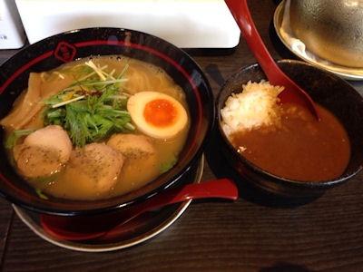 京都熟成細麺らぁ~めん京鶏しおらぁ~めんと特製カレー