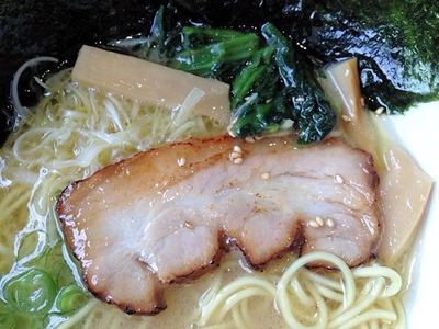 横浜ラーメン一心家元祖ラーメンとんこつ塩スープ