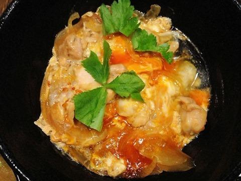 地鶏と干物ガロ屋日本一のこだわり卵の親子丼定食