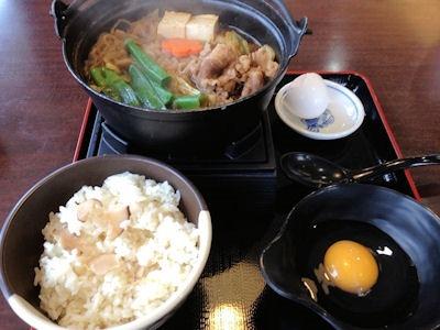 ザめしや牛すき鍋と松茸ごはん
