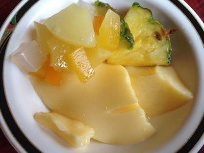 ステーキけん食べ放題のフルーツ