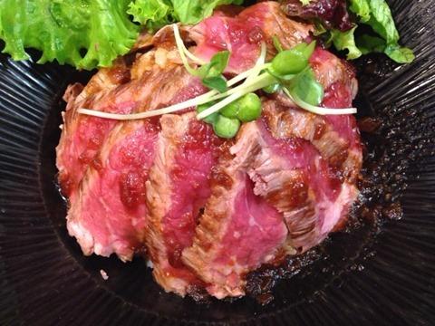 一乃屋ステーキ丼